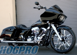 #205 Vivid Black Valor 23 +18 Road Glide